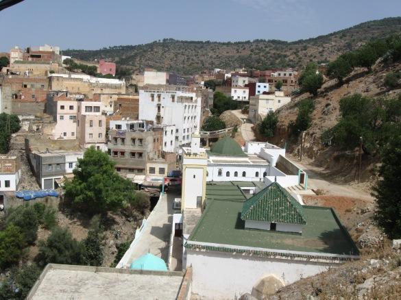 The zâwiyya of Sîdî 'Alî ben Hamdûsh sits above a rivine on the slope of Jebel Zerhoun (ph. Eric Ross)